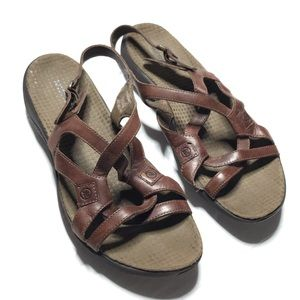 Merrell Brown Leather Strappy Flat Sandals 9